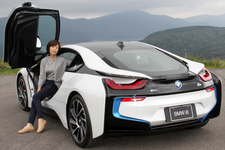 BMW i8 裕子の初乗りでGO!!