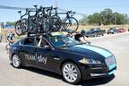 ジャガー・ランドローバー・ジャパン、自転車プロチーム「チームスカイ(Team Sky)」来日記念、専用ラッピング「XF」を期間限定特別展示