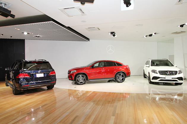 (左から)Mercedes-AMG GLE 43 4MATIC、Mercedes-AMG GLE 43 4MATIC Coupe、Mercedes-AMG GLS 63 4MATIC
