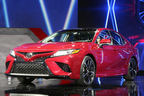 """トヨタの挑戦!新型カムリハイブリッドが初の""""フルTNGA""""モデルだ!保守的クルマから脱却へ"""