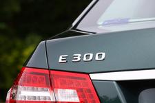 E300 テールロゴ