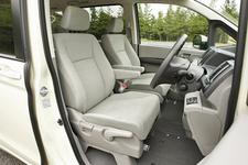 新型ステップワゴン フロントシート